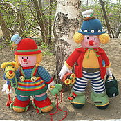 Куклы и игрушки ручной работы. Ярмарка Мастеров - ручная работа Клоун. Вязаные интерьерные куклы из шерсти Клоуны. Handmade.