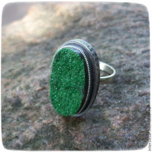 Кольца ручной работы. Ярмарка Мастеров - ручная работа. Купить Уваровит кольцо. Handmade. Ярко-зелёный, самоцветы