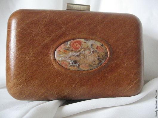 Женские сумки ручной работы. Ярмарка Мастеров - ручная работа. Купить кожаный клатч с натуральным камнем. Handmade. Коричневый, бронзовый