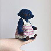 Мягкие игрушки ручной работы. Ярмарка Мастеров - ручная работа Мишка Черничка вязаная игрушка. Handmade.
