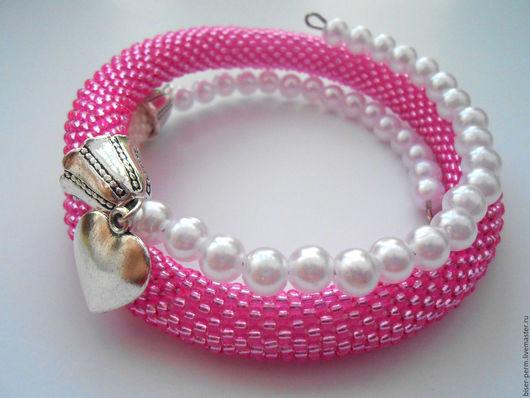 """Браслеты ручной работы. Ярмарка Мастеров - ручная работа. Купить Розовый браслет из бисера с подвеской """"Сердце"""". Handmade. Розовый"""