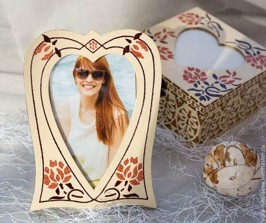 """Персональные подарки ручной работы. Ярмарка Мастеров - ручная работа. Купить Рамка для фото """"В сердце цветы"""". Handmade. Желтый"""