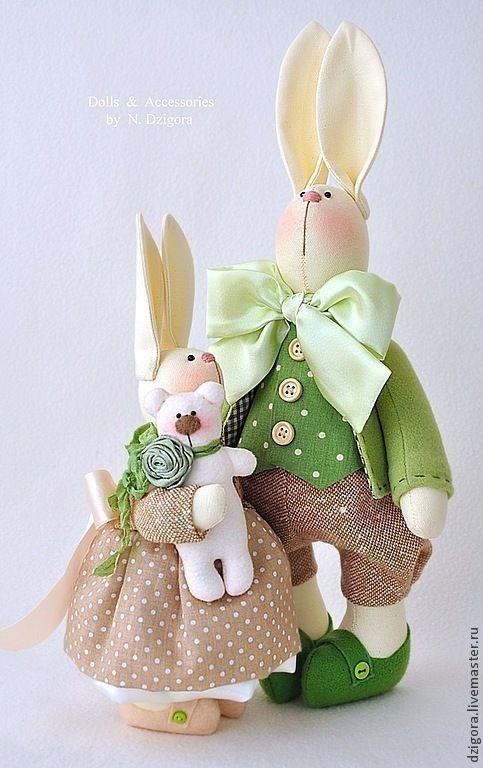 Игрушки животные, ручной работы. Ярмарка Мастеров - ручная работа. Купить Семейство кроликов в бежево - зелёном. Handmade. Зайцы, семья