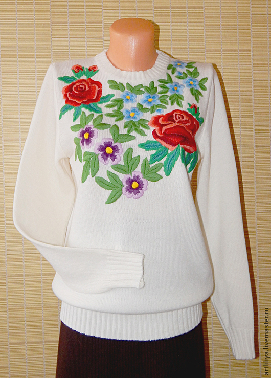 Кофты и свитера ручной работы. Ярмарка Мастеров - ручная работа. Купить джемпер вязаный женский Цветы с ручной вышивкой. Handmade.