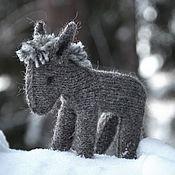 Куклы и игрушки ручной работы. Ярмарка Мастеров - ручная работа Игрушка ослик вязаный Серый. Handmade.