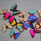 Материалы для творчества ручной работы. Ярмарка Мастеров - ручная работа Пуговица деревянная Бабочка окрашенная, 458. Handmade.