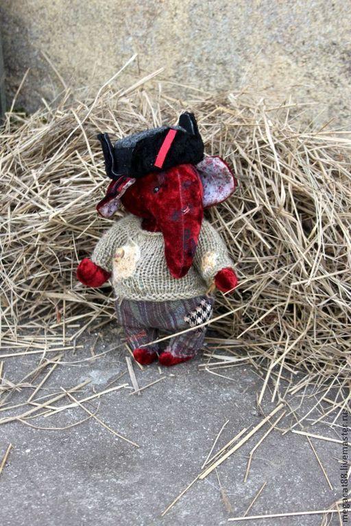 Мишки Тедди ручной работы. Ярмарка Мастеров - ручная работа. Купить Слоненок Тедди Партизан. Handmade. Бордовый, ушанка, соломенный