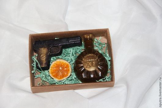 Персональные подарки ручной работы. Ярмарка Мастеров - ручная работа. Купить Набор к 23 февраля пистолет и  коньяк. Handmade. Подарок