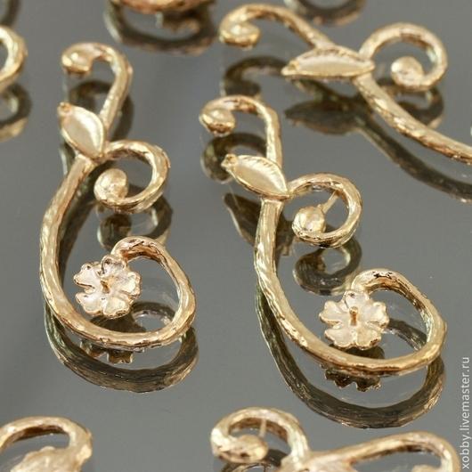 Декоративный элемент из цинкового сплава с покрытием имитирующим золото для использования в сборке украшений