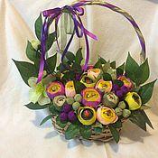Сувениры и подарки ручной работы. Ярмарка Мастеров - ручная работа Сладкая корзина цветов. Handmade.