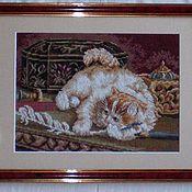 Картины и панно ручной работы. Ярмарка Мастеров - ручная работа Вышитая картина``Котёнок с пёрышком``. Handmade.