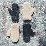 Аксессуары ручной работы. Ярмарка Мастеров - ручная работа Варежки из овчины в сером и бежевом цвете. Handmade.