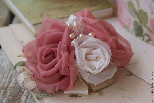 Броши ручной работы. Ярмарка Мастеров - ручная работа. Купить Цветы из ткани. Брошь-заколка, шебби шик, винтаж, розы. Handmade.