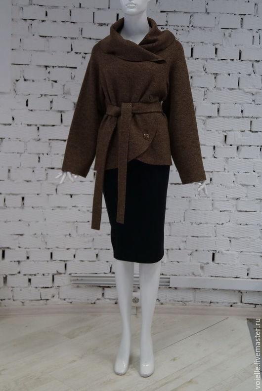 коричневое пальто жакет демисезонное из шерстяного лодена приталенное, с большим воротником, поясом теплое, комфортное, многофункциональное, носить с брюками, джинсами, юбками разной длины, платьями