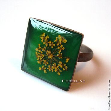Украшения ручной работы. Ярмарка Мастеров - ручная работа Зеленое квадратное кольцо с желтым цветком. Handmade.