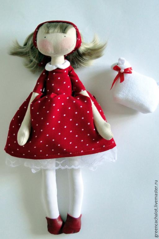 Лето, солнце, море, пляж... День чудесный, день хороший! Ты надела на показ Платье красное в горошек.
