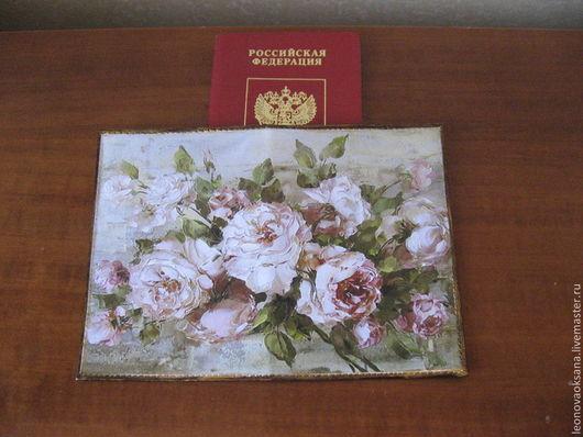 """Персональные подарки ручной работы. Ярмарка Мастеров - ручная работа. Купить Кожаная обложка для паспорта """"Английские розы"""". Handmade. обложка"""