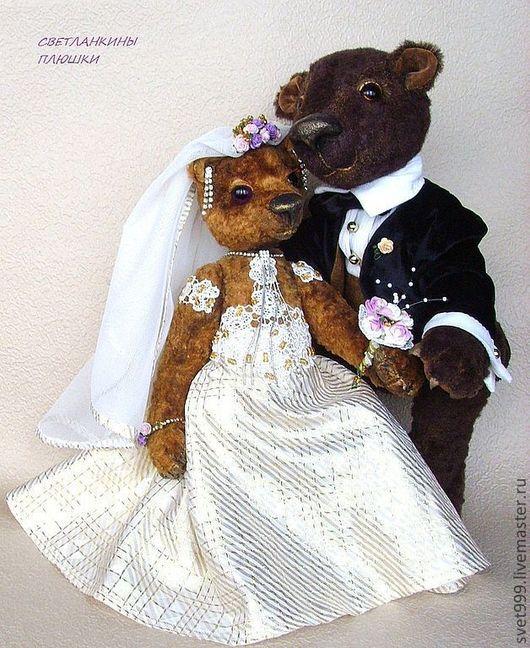 """Мишки Тедди ручной работы. Ярмарка Мастеров - ручная работа. Купить плюшевые медведики """"Свадебная пара-Медовые Лапки"""". Handmade."""