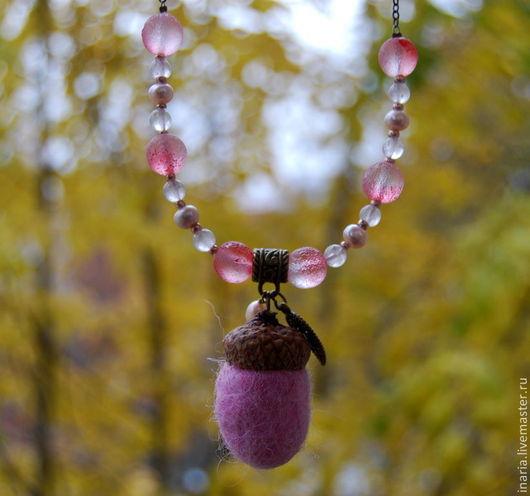 """Кулоны, подвески ручной работы. Ярмарка Мастеров - ручная работа. Купить Кулон """"Розовый желудь"""". Handmade. Бледно-розовый"""