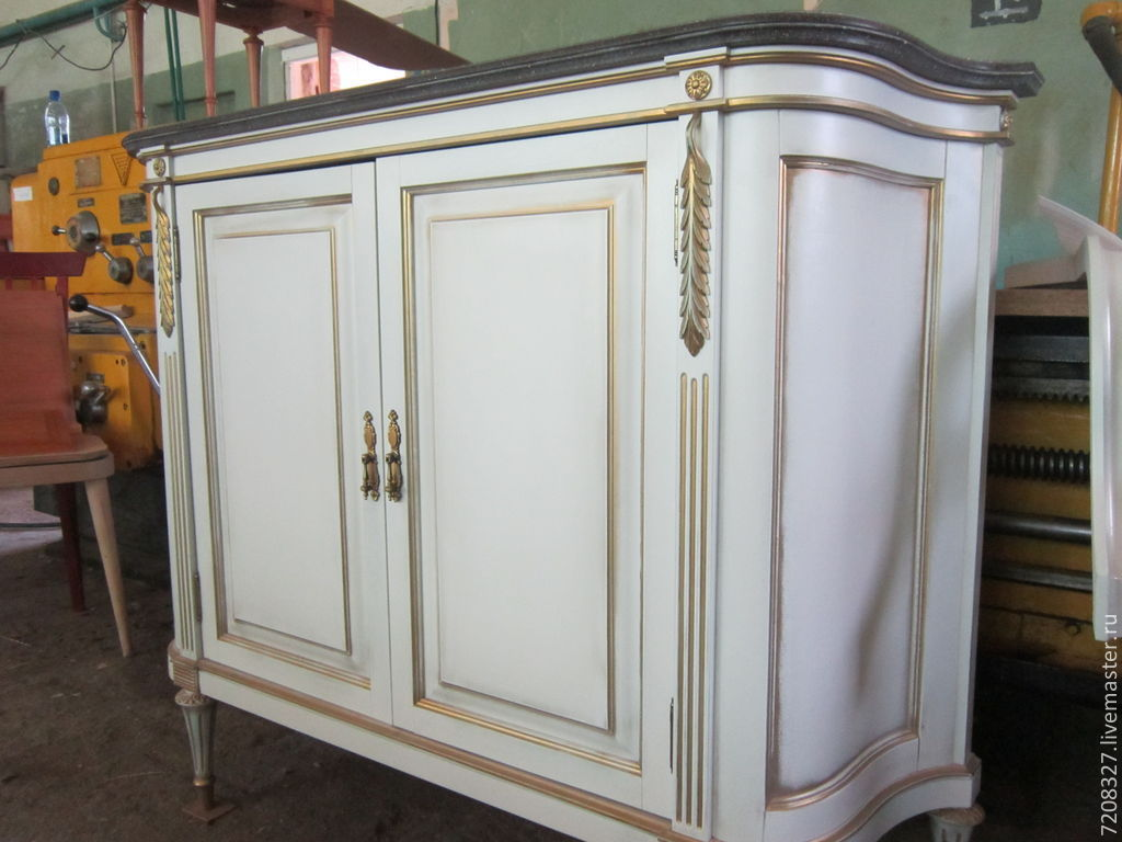 Luxury dresser on elegant tapered legs with hand-carved elements and gold leaf is truly a unique piece of furniture. All this adds up to a stylish and durable countertop. It's furniture that