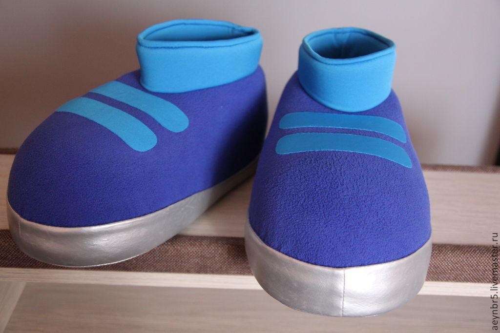 Обувь из поролона для костюма
