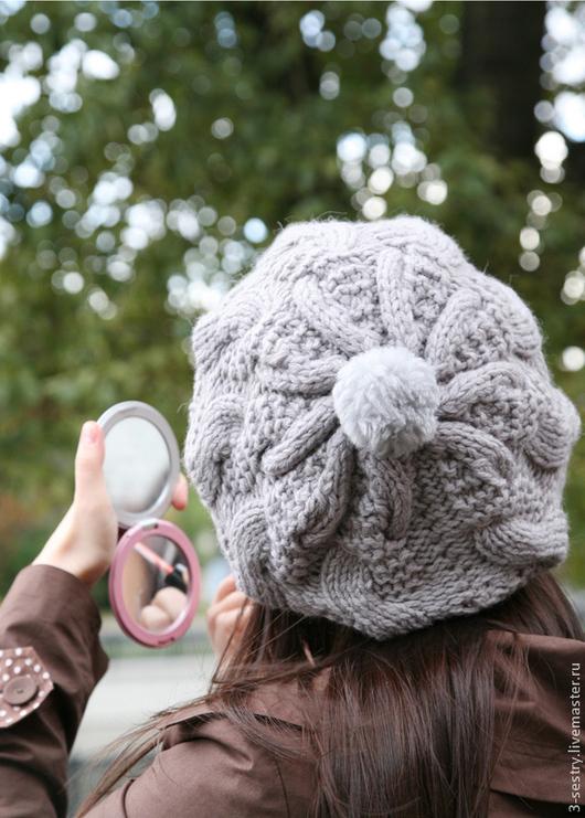 серый, берет, шапка, шапки, вязаные шапки, шапки вязаные, лес, улыбка, женские шапки, шапки женские вязаные, вязанные шапки, шапка с помпонами, шапки с помпоном, шапка с косами, модные шапки