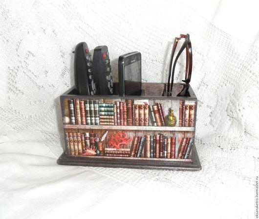 Мебель ручной работы. Ярмарка Мастеров - ручная работа. Купить Подставка для пультов Любимые книги. Handmade. Подставка для пультов