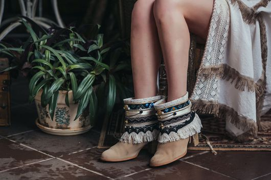 Обувь ручной работы. Ярмарка Мастеров - ручная работа. Купить Каффы-новая одежда для вашей обуви. Handmade. украшение