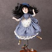 Куклы и игрушки ручной работы. Ярмарка Мастеров - ручная работа Алиса, падающая в кроличью норку.. Handmade.