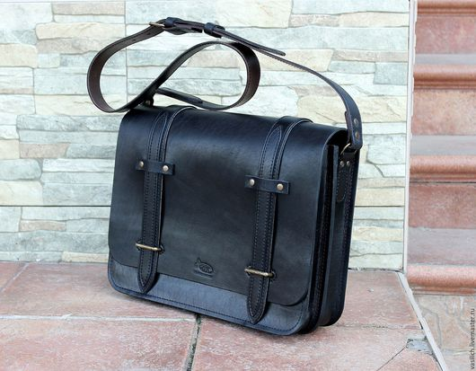 Мужские сумки ручной работы. Ярмарка Мастеров - ручная работа. Купить Сумка из натуральной кожи. Handmade. Черный, оригинальная сумка