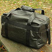 Сумки и аксессуары ручной работы. Ярмарка Мастеров - ручная работа Кожаная мужская сумка через плечо Black Bag Подарок мужчине. Handmade.