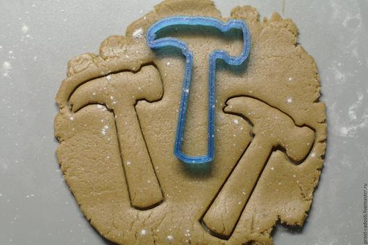 """Кухня ручной работы. Ярмарка Мастеров - ручная работа. Купить Форма для пряников и печенья """"Молоток"""". Handmade. Синий, форма для выпечки"""