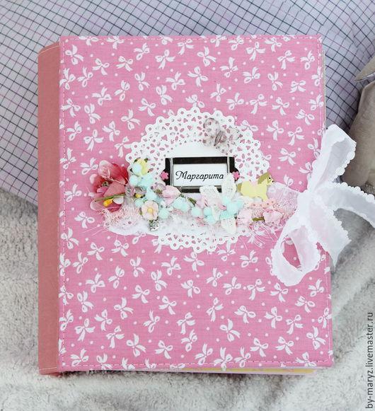 """Фотоальбомы ручной работы. Ярмарка Мастеров - ручная работа. Купить Фотоальбом """"Малышка"""". Handmade. Розовый, альбом детский, тканевая обложка"""