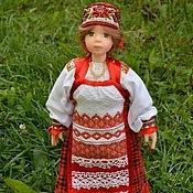 Куклы и игрушки ручной работы. Ярмарка Мастеров - ручная работа Кукла в праздничном костюме крестьянки. Handmade.