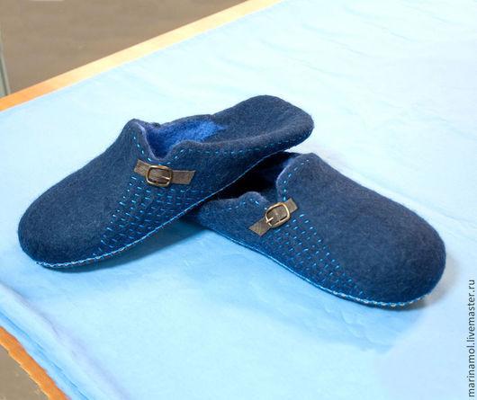 """Обувь ручной работы. Ярмарка Мастеров - ручная работа. Купить Мужские валяные тапки """"Популярные"""". Handmade. Синий, мужские тапочки"""