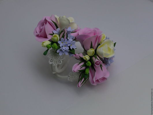 Свадебные украшения ручной работы. Ярмарка Мастеров - ручная работа. Купить Браслет на руку с цветами розы фрезии и сирени из полимерной глины. Handmade.