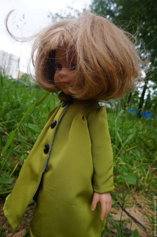 Одежда для кукол ручной работы. Ярмарка Мастеров - ручная работа. Купить Плащ для куклы Paola Reina. Handmade. Зеленый, плащ
