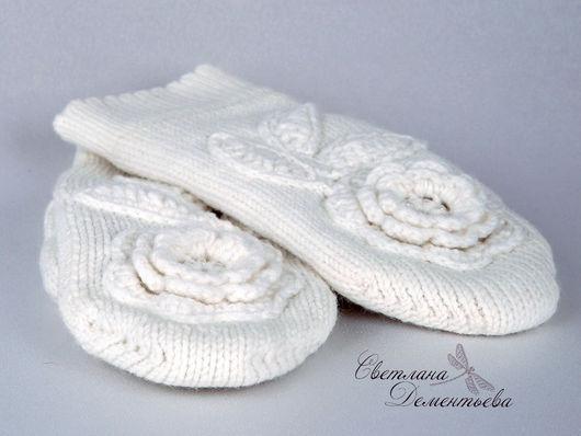 Варежки, митенки, перчатки ручной работы. Ярмарка Мастеров - ручная работа. Купить Варежки вязаные белые двойные с цветами. Handmade.