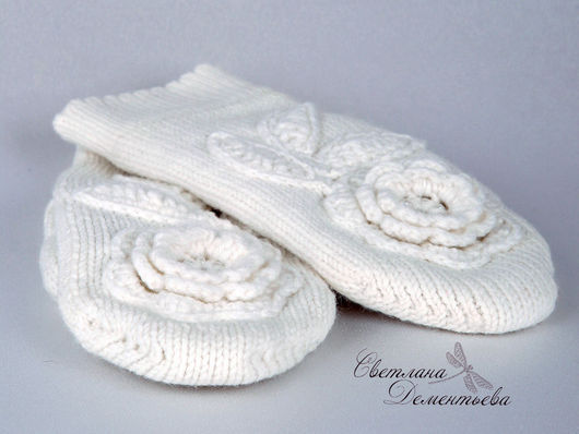 Mittens & Gloves handmade. Livemaster - handmade. Buy Mittens knitted with double white flowers.Mittens women's, flowers