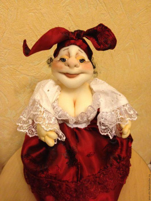 Коллекционные куклы ручной работы. Ярмарка Мастеров - ручная работа. Купить Грелка на чайник. Handmade. Бордовый, русский сувенир, атлас