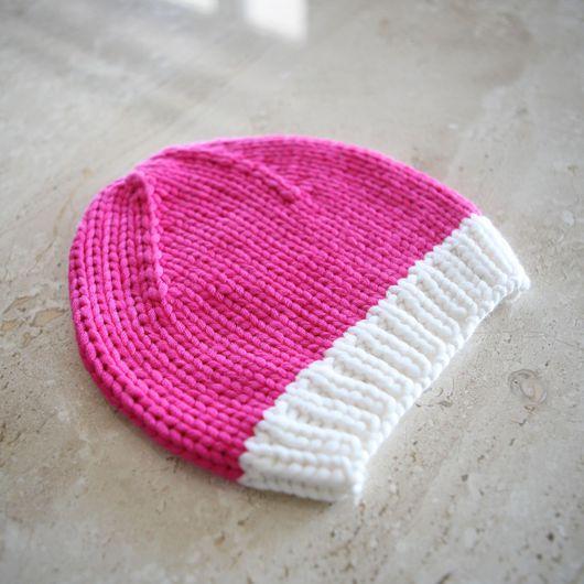 Шапки ручной работы. Ярмарка Мастеров - ручная работа. Купить Детская весенняя вязаная шапочка ярко-розового цвета. Handmade.