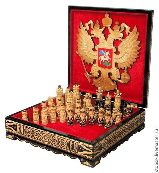 Настольные игры ручной работы. Ярмарка Мастеров - ручная работа. Купить Шахматы Викинг (резьба, герб) (12617). Handmade.