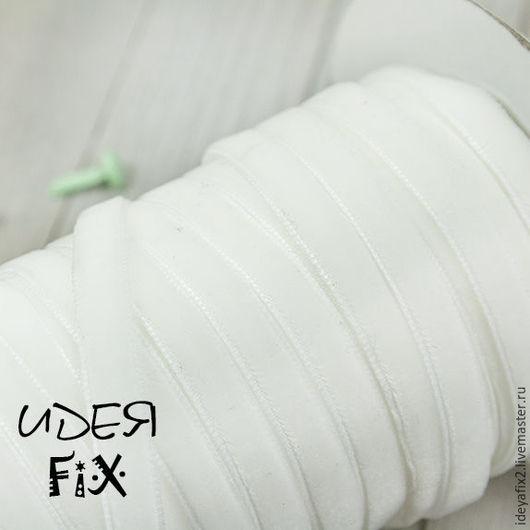 Лента бархатная белого цвета. Ширина 6 мм.  Цена указана за 1 метр.