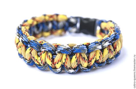 """Браслеты ручной работы. Ярмарка Мастеров - ручная работа. Купить """"Жёлто-голубая Змейка"""" браслет из паракорда. Handmade. Разноцветный, синий"""