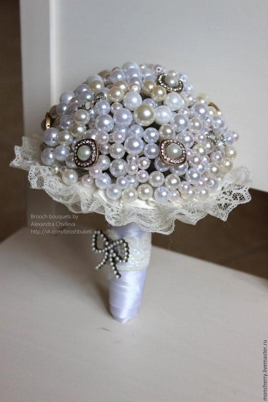 Свадебные цветы ручной работы. Ярмарка Мастеров - ручная работа. Купить Свадебный букет из жемчуга. Брошь букет невесты ручной работы. Handmade.