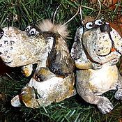 Подарки к праздникам ручной работы. Ярмарка Мастеров - ручная работа Пёсики. Елочные игрушки из папье-маше. Handmade.