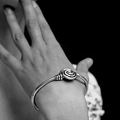 Украшения ручной работы. Ярмарка Мастеров - ручная работа Браслет с узлом из серебра. Handmade.
