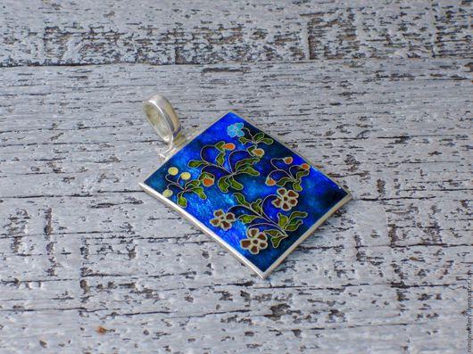 """Кулоны, подвески ручной работы. Ярмарка Мастеров - ручная работа. Купить Кулон """"Цветы на синем"""". Handmade. Разноцветный, авторские украшения"""