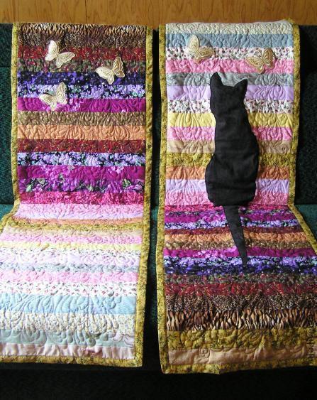 """Резерв для Марии до 5 августа. \r\nКомплект накидок на кресла """"Кошка с бабочками""""   из ярких красивых тканей, оживит интерьер, сделает Ваш дом уютным и запоминающимся."""