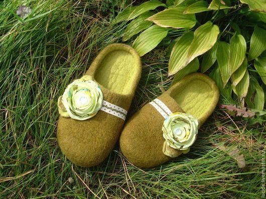 """Обувь ручной работы. Ярмарка Мастеров - ручная работа. Купить Тапочки """" Оливки """". Handmade. Оливковый"""